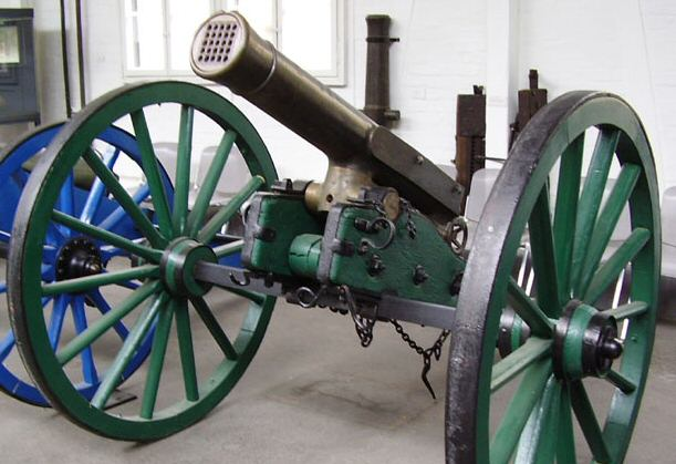 the 1870 war saw the first use of the machine gun on the French side